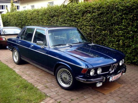 BMW Bavaria. I would love to restore one of these if I could find one. Classic euro cool!