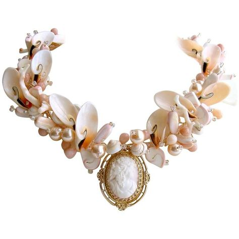 Dtjscl Ladies necklaceFashion Bohemian Shell Necklace Pendant Collar Lady Handmade Shell Conch Ms Initial Necklace Holiday Best Gift