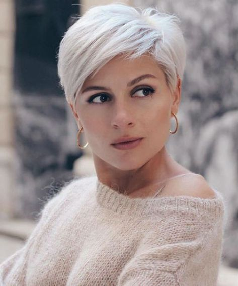 Chic Platinum Blonde Short Pixie Haircuts and Hairstyles to Try in 2020