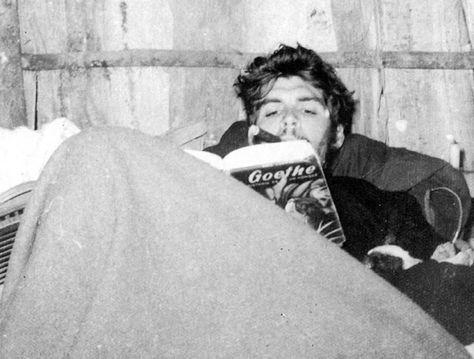 Foto Del Che Leyendo A Goethe Fotos Del Che Guevara Fotos Del Che Che Guevara Fotos Del Che Guevara