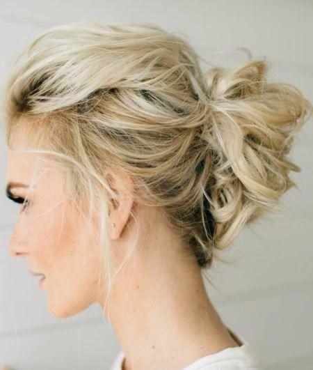 20 Medium Length Hairstyles For Women Medium Length Hair Styles Thin Hair Updo Hairstyles For Thin Hair