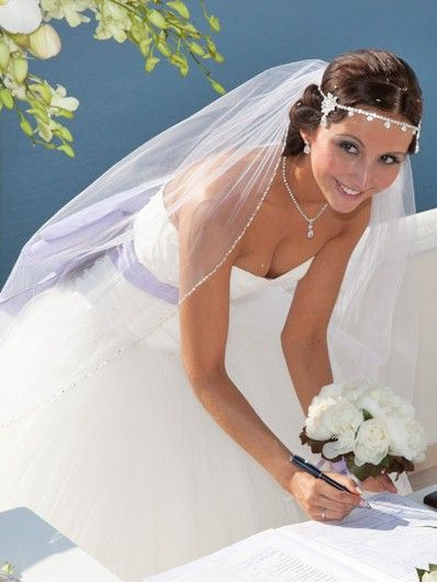 long wedding veil & diamond head band #bride #headpieces