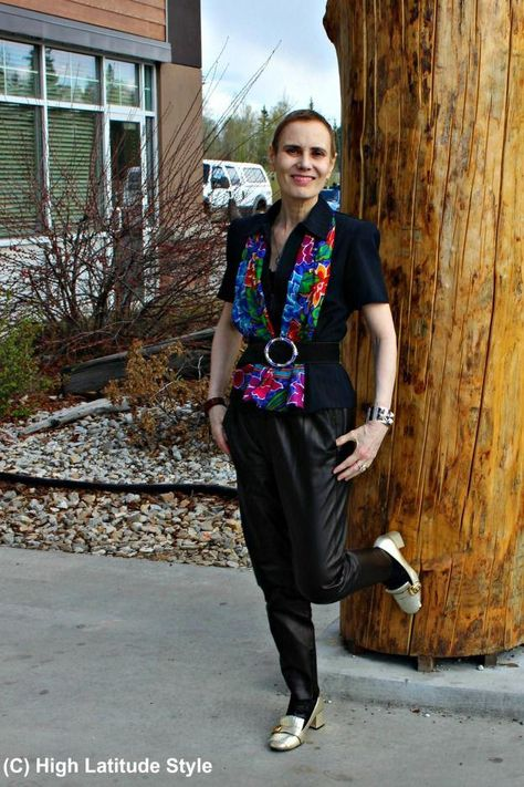 fashion over 50 woman in joggers #women'sfashionover40summer2017