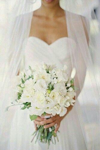 Bouquet Sposa Total White.Pin Su Romantikus Eskuvok