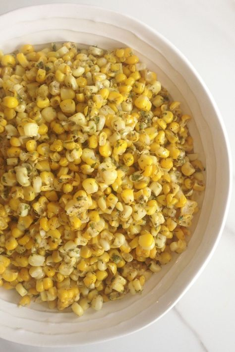 I don't like to mess w/ corn without a reeeeally good reason, but this herbed corn doused in butter is phenomenal. So worth trying. #recipe #thegoldlininggirl