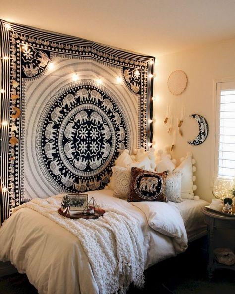 60+ Lovely Cute DIY Dorm Room Decoration Ideas #diy #dormroom  #decoratingideas