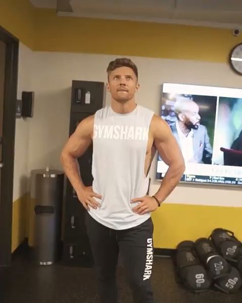 There's no messing here with Steve Cook! Steve goes to his limits and switches up his workouts with this not so easy monkey bar climb! But, ultimately it really was an epic fail!