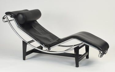 Black Leather Le Corbusier Lc4 Chaise Lounge In 2020 Lc4 Chaise Lounge Chaise Lounge Le Corbusier Lc4 Chaise Lounge