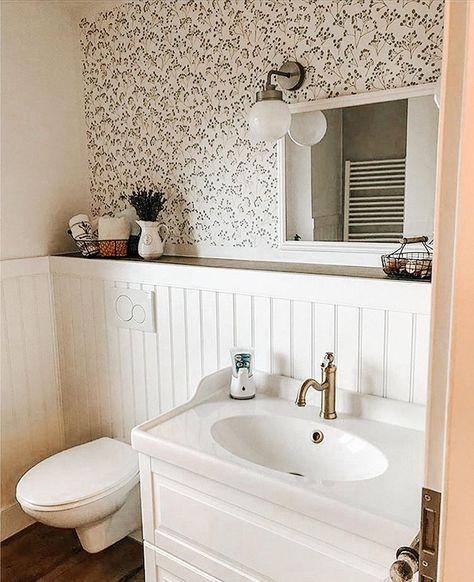 Beadboard De Wandverkleidung Auf Instagram Schaut Euch Dieses Badezimmer An Was Fur Eine Wunderschone Kombi In 2020 Wandverkleidung Innenarchitektur Gastebad
