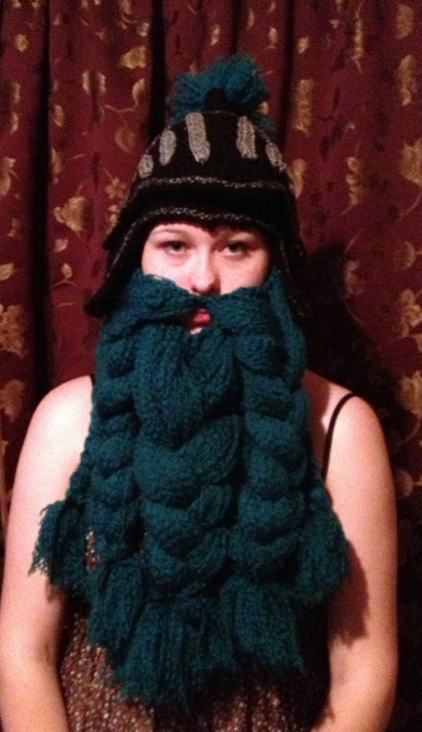 Crochet Knight Helm with Beard via Etsy.  I just might have to get one of these made before the holidays...