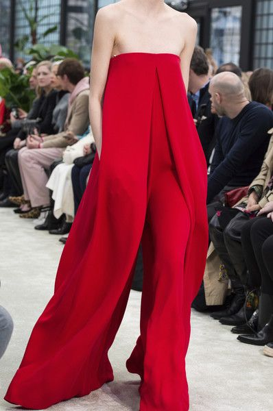 Valentino, Fall 2018 - The Most Fabulous Details From The Parisian Runways For Fall 2018 - Photos