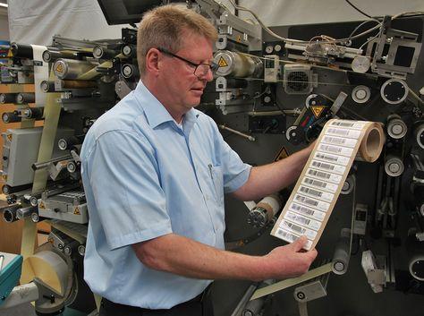 Weltpremiere für die Produktion von RFID Labels und Tags - http://www.logistik-express.com/weltpremiere-fuer-die-produktion-von-rfid-labels-und-tags/