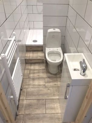Cannock Bathrooms Small Ensuite Smallbathroomdesigns Small Apartment Bathroom Small Bathroom Ensuite Shower Room