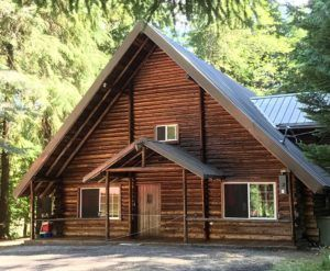 The Lodge Near Mt Rainier In 2020 Lodge Commercial Style Kitchen House Styles