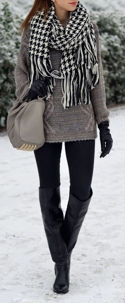 #winter #fashion / houndstooth scarf + gray knit momsmags.net