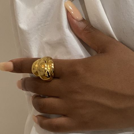 This large ring is definitely an evening piece oversized, will stand out with any outfit Metal: 18kt gold plated Dimenstions: H28mm W23m