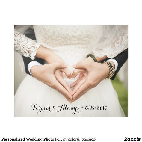Wedding Picture Poses, Wedding Photography Poses, Wedding Poses, Outdoor Wedding Pictures, Romantic Wedding Photos, Creative Wedding Photography, Newly Married, Getting Married, Wedding Hands
