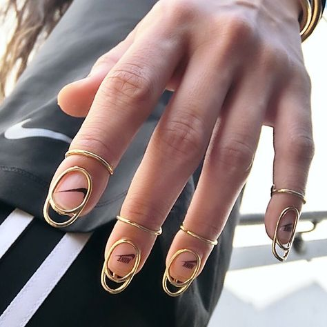 Stuck in a manicure rut? Sick of your old nail polish? With spring just around the corner, we thought we'd round up some nail art inspiration for the new season.
