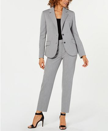 Blazer Jackets For Women, Pants For Women, Grey Suit Combinations, Business Casual Attire, Business Suits For Women, Pantsuits For Women, Professional Dresses, Jacket Buttons, Suit Fashion