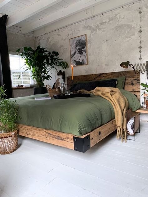 Industrial Style Bedroom, Industrial Home Design, Bohemian Bedroom Decor, Bedroom Rustic, Bedroom Modern, Decor Room, Wall Decor, Home Bedroom, Bedroom Ideas
