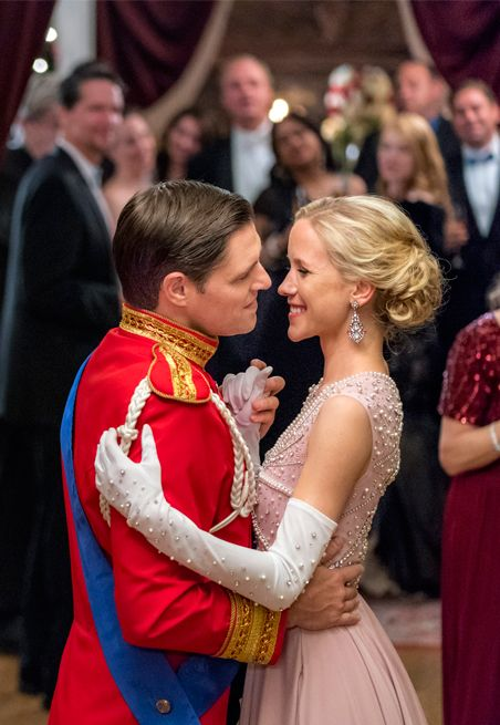 Its A Wonderful Movie Your Guide To Family And Christmas Movies On Tv Royal New Year S Ev In 2020 Hallmark Christmas Movies Christmas Movies Family Christmas Movies