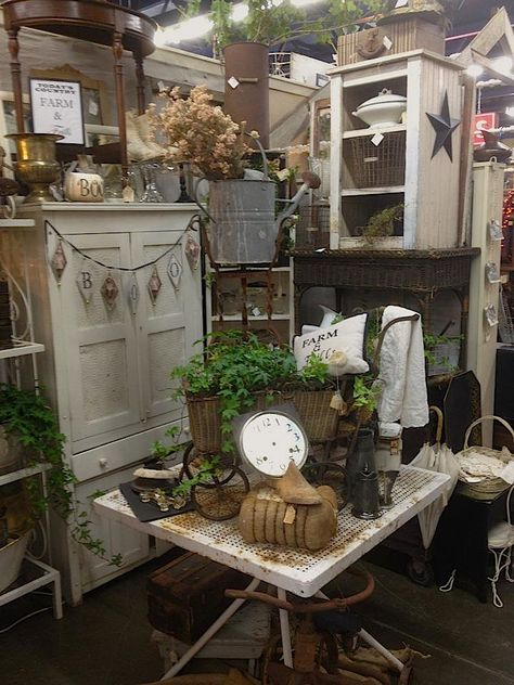 Country Farm & Frills booth