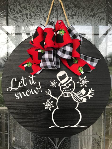 This let it snow sign makes a great addition to any homes front door in the winter season. It can be used as a door hanger, home accent, or room decor. Makes a great gift for men and women and adds great appeal for your front door, Front Door Christmas Decorations, Christmas Front Doors, Christmas Door, Christmas Signs, Christmas Wreaths, Xmas, Christmas Wood Crafts, Christmas Projects, Holiday Crafts