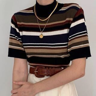 pants Aesthetic vintage art hoe trendy casual cool edgy outfit fashion style idea ideas inspo inspiration for school for women winter summer striped brown t shirt necklace white pants Vintage Outfits, Retro Outfits, Casual Outfits, Vintage Fashion, Vintage Clothing Styles, Summer Outfits, Summer Dresses, Look Fashion, 90s Fashion