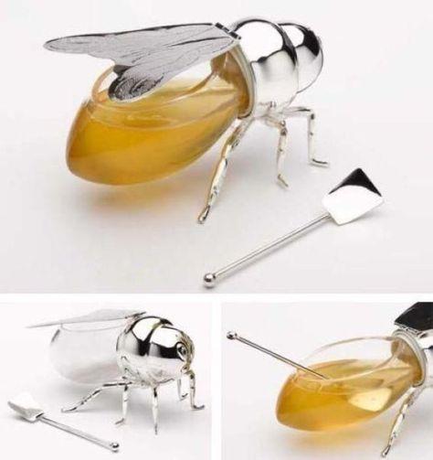 Honey bee dispenser