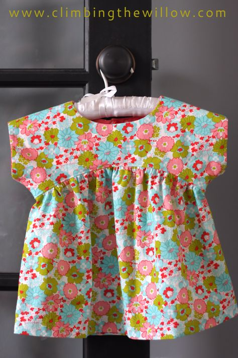 Izzy Top - FREE pattern sizes 18 months - 12