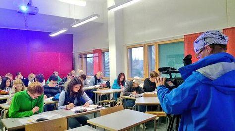 Kävimme kysymässä, mitä Sammon keskuslukion oppilaat tuumaavat presidentti Sauli Niinistön ajatuksista luokkayhteisöjen palauttamisesta lukioon. Marjut Suomi kuvasi.