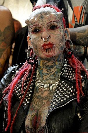 Maria Jose Cristerna From Mexico Is Known As Vampire Woman She Holds The Guinness World Record For Be Body Modification Piercings Body Mods Body Modifications