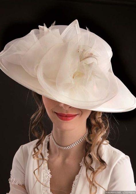 Pour une touche retro !  #bride #bridetobe #bridal #wedding #mariage #matrimonio #love #amor #mode #fashion #style #bridestyle #hat #chapeau #retro