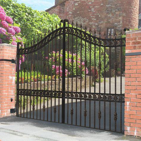 Pin By Keston Prudhomme On Gate Design Estate Gates Entrance