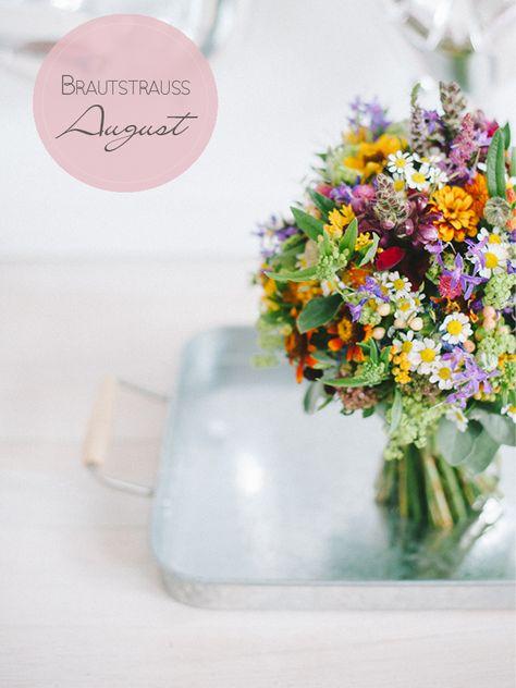 Blumen für den bunten Brautstrauß im August