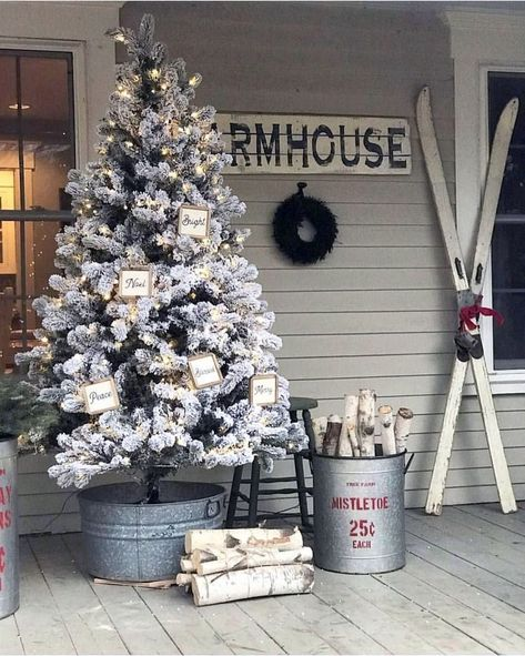 55 Cheap DIY Outdoor Christmas Decor Ideas to Complete Your Home Decoration