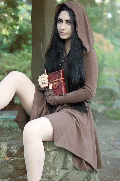 Autumn Witch by Mahafsoun Lycan Anubis Armando Hot Goth Girls, Gothic Girls, Sexy Hot Girls, Goth Beauty, Dark Beauty, Autumn Witch, Looks Pinterest, Goth Women, Beautiful Girl Image
