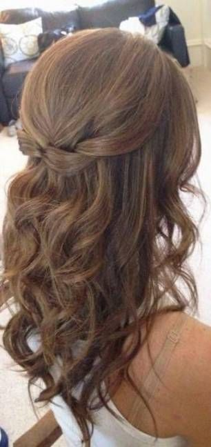 50 Half Updos For Your Perfect Everyday And Party Looks Hair Styles Medium Hair Styles Mother Of The Bride Hair