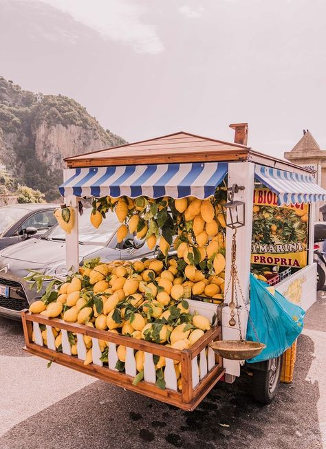 An Easy, Breezy Guide to the Amalfi Coast If you're feeling a little anxious about planning your Amalfi Coast trip I've put together an easy, breezy Amalfi Coast Guide for you. European Summer, Italian Summer, Summer Aesthetic, Travel Aesthetic, Aesthetic Women, Aesthetic Yellow, Aesthetic Art, Aesthetic Pictures, Atrani Italy