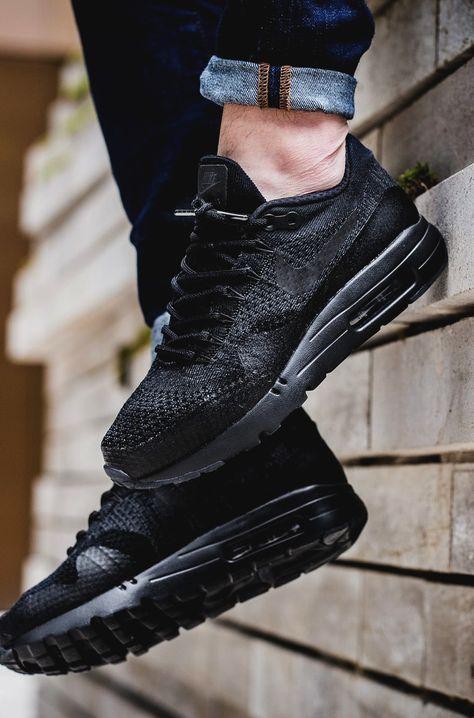 Nike Air Max 1 Ultra Flyknit 'Blackout' | Streetwear, Mode homme ...