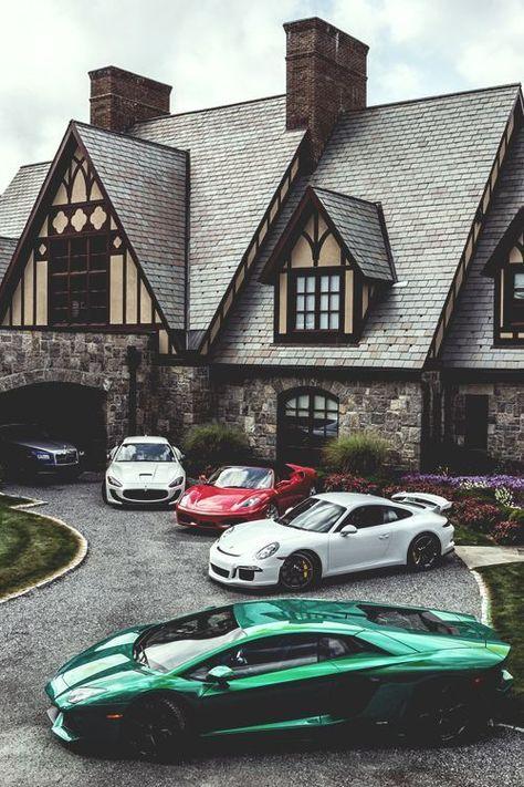 Incroyable! 8 meilleures voitures hybrides pour les acheteurs de 2018 »Anvil Magazine - Les VUS de votre famille, que nous connaissons pour leur allure plus sportive, appartiennent à la catégorie des camionnettes. Le SUV, qui est considéré comme l'acronyme du véhicule utilitaire sport anglais, est préféré en raison de sa construction de grande taille. Bien que les modèles de véhicules varient, la distance entre la tête et les genoux est généralement suffisante. Généralement considérés comme une