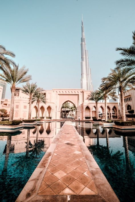 20 Pictures of Dubai to Inspire Your Visit to the United Arab Emirates - travel Dubai Mall, Hotel A Dubai, Places Around The World, The Places Youll Go, Places To See, Around The Worlds, Dubai Travel, Asia Travel, Wanderlust Travel