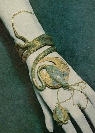 Avatar Objets Symboles etc Cf8dfb6da9456ea27584eb53df1f9a21--snake-jewelry-snake-bracelet