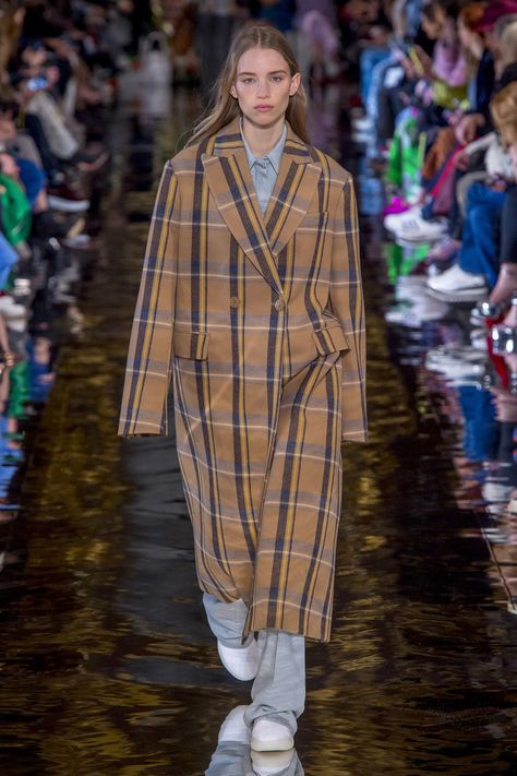 Stella McCartney Fall 2018 Ready-to-Wear Fashion Show Collection