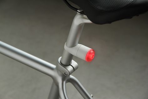 Iflash One Magnetic Bike Light That Lights Up When Connected