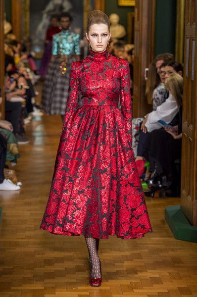 Erdem At London Fashion Week Fall 2019 Emerging Designers Fashion Fashion Fashion Week