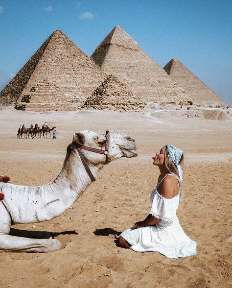 أهرامات الجيزة the Great Pyramids- Giza, Egypt with Hayley Andersen The Places Youll Go, Cool Places To Visit, Places To Go, Foto Best Friend, Egypt Travel, Travel Europe, Photos Voyages, Cairo Egypt, Travel Photos