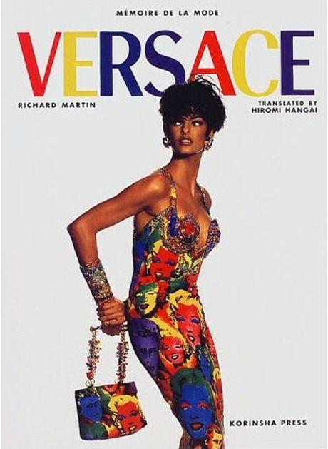1988 Linda Evangelista in Gianni Versace.