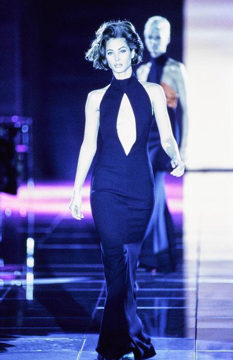 Versace Fall 1991 Ready-to-Wear Fashion Show - Christy Turlington Burns