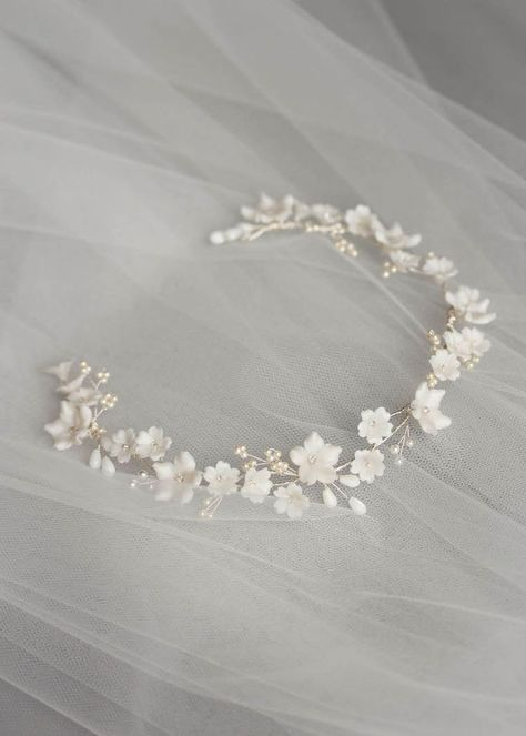 MARJORIE Floral bridal headband wedding headpiece floral halo aureole bandeau c Bridal Headdress, Floral Headpiece, Headpiece Wedding, Bridal Headpieces, Wedding Veils, Hair Jewelry, Wedding Jewelry, Jewelry Sets, Fashion Jewelry